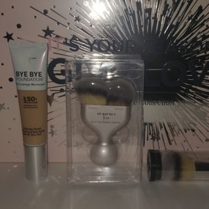 It cosmetics heavenly luxe brush new in box